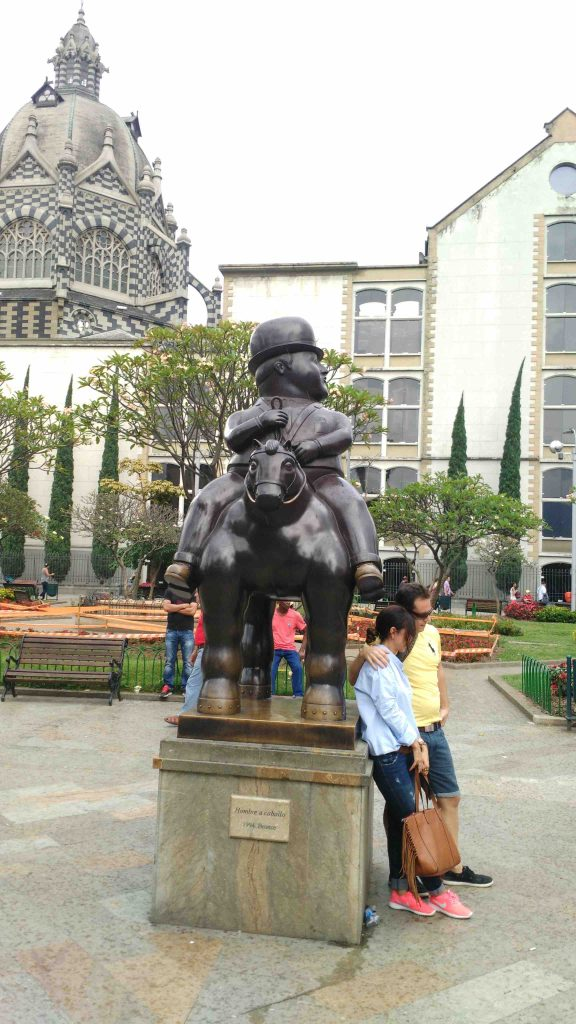 Hombre status at Botero Park